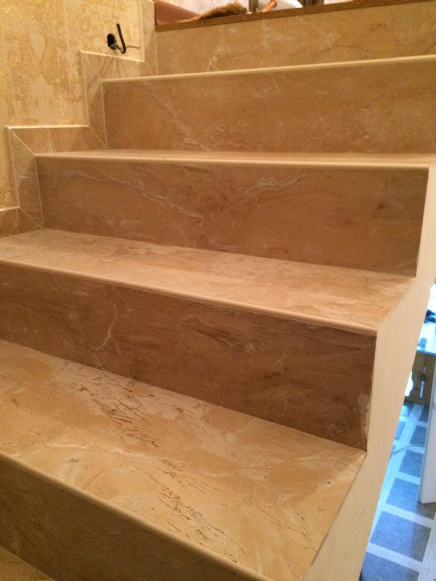Прямые керамогранитные ступени 1200х300 для лестниц