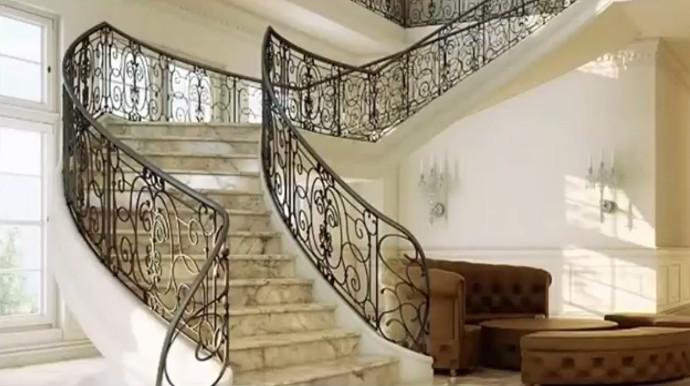 Ступени из камня для нестандартных лестниц